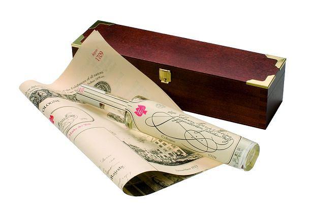 Tradycyjny flakonik perfum Fariny o nazwie Rosoli