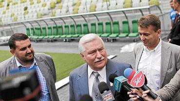 Bogdan Magnowski (z prawej) w towarzystwie Lecha Wałęsy i Macieja Turnowieckiego (byłego prezesa Lechii)