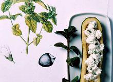 Cukinie faszerowane kozim serem i miętą - ugotuj