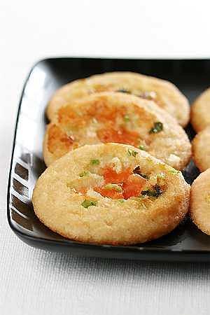 Uttpam (placki ryżowe z warzywami)