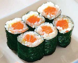 LOGO: Sushi Maki (łosoś) cena: ok. 15 zł (2 szt.)
