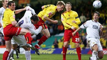 Piłkarze Leeds United w białych koszulkach