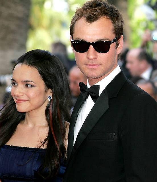 Jude Law nie ukrywa, że Norah Jones bardzo mu się podoba.