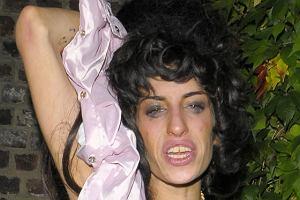 Drugie zdjęcie Amy jest jeszcze bardziej hardcorowe. Koszmar z klubu disco powraca 4.