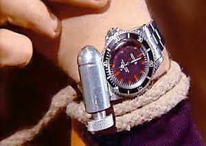 Zegarek z potężnym magnesem i piłą