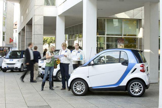 Smart Fortwo car2go - każdy chce się dowiedzieć od kiedy będzie można skorzystać z nowego programu