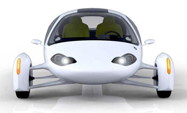 To nie samolot bez skrzydeł - Aptera 2e to najprawdziwszy samochód