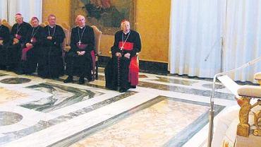 28 października 2006 r. Benedykt XVI mówi biskupom z Irlandii, że Kościół musi odbudować zaufanie wiernych nadszarpnięte przypadkami pedofilii wśród księży
