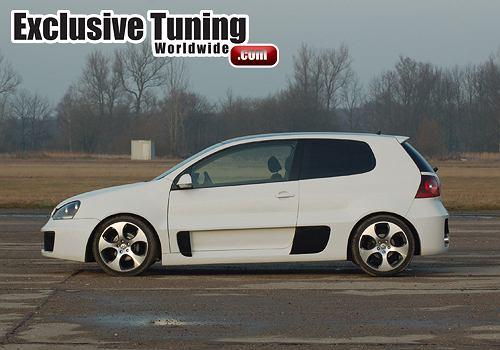 VW Golf przerobiony na potwora
