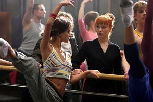 Wśród uczniów szkoły znalazła się postać, którą zagrała Natalia Lesz.