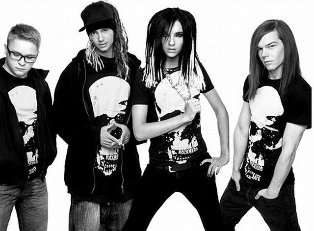 Tokio Hotel, Cindy Lauper, Katy Perry czy Dita Von Teese to jedne z gwiazd, które w tym sezonie zaprojektowały specjalne T-shirty, z których część dochodu zostanie przeznaczona na walkę z AIDS. Tylko Kate Perry się wyłamała i zaprojektowała...body.