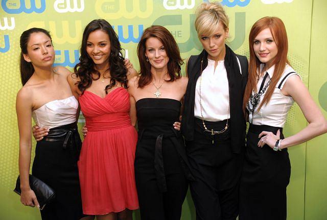 Stephanie Jacobsen, Jessica Lucas, Laura Leighton, Katie Cassidy oraz Ashlee Simpson-Wentz z ''Melrose Place''.