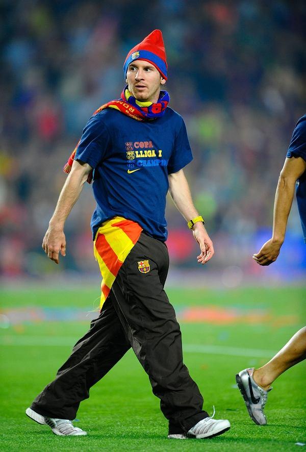 Leo Messi w roli pijanego krasnoludka