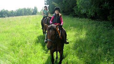 Ośmioletnia Stefania na koniu Abra