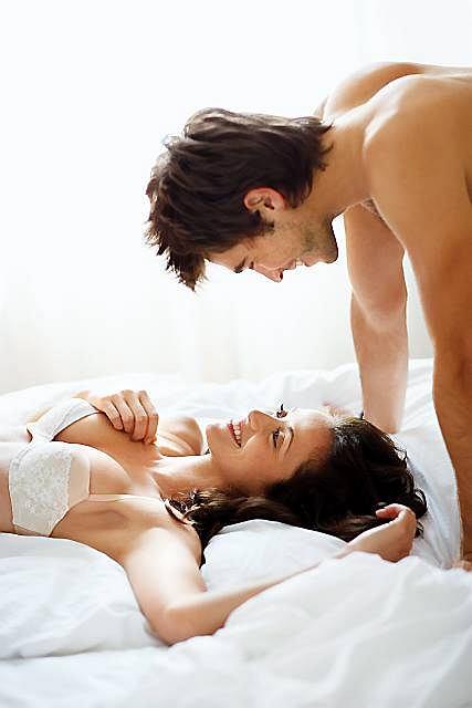 Pierwsze miesiące ciąży mogą być okazją do odkrywania nowych wymiarów związku.