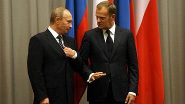 Niektóre tytuły prasy rosyjskiej komentując wczorajszą rozmowę telefoniczną obu Putin - Tusk pominęły wątek katyński