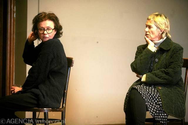 Joanna Szczepkowska i Małgorzata Braunek podczas przedstawienia ''Persona. Ciało Simone'' w reżyserii Krystiana Lupy