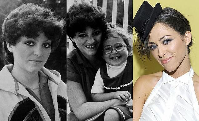 Kiedy Anna Jantar dokładnie 30. lat temu zginęła w wypadku samolotowym, Natalia miała zaledwie 4 latka. Wtedy jeszcze nikt nie spodziewał się, że pójdzie śladami mamy i zacznie śpiewać, ani tego, że jako dorosła kobieta będzie łudząco do niej podobna. Zobaczcie, jak bardzo Natalia Kukulska przypomina Annę Jantar.