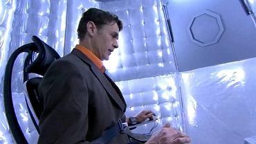 Aktor grający uczestnika teleturnieju