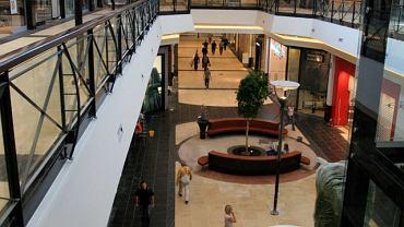 Wnętrze galerii handlowej Magnolia Park we Wrocławiu