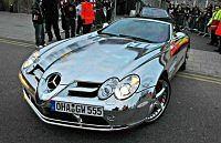 Chromowany Mercedes SLR Williama Gallasa