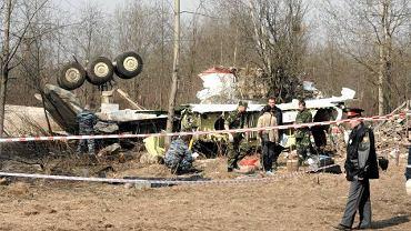 11.04.2010, Smoleńsk. Szczątki polskiego samolotu