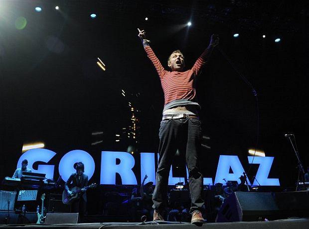 Damon Albarn z Gorillaz na festiwalu w Glastonbury w 2010 roku