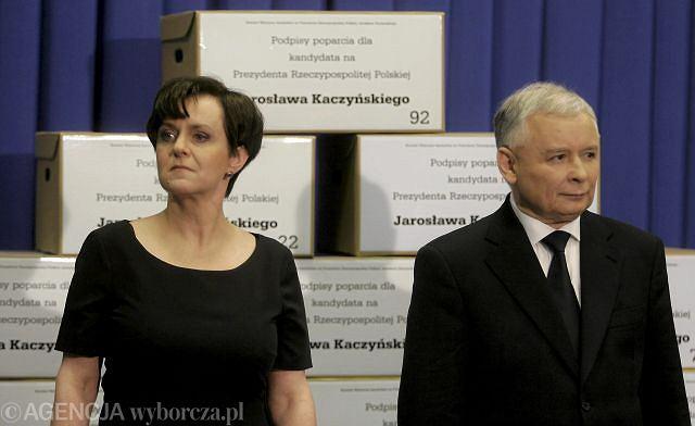 ''Nowa'' Joanna Kluzik-Rostkowska i Jarosław Kaczyński na konferencji prasowej