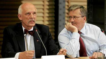 Janusz Korwin-Mikke i Bronisław Komorowski podczas debaty na UW