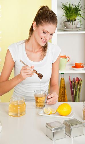 Miód to także prawdziwy balsam dla spierzchniętej i popękanej skóry