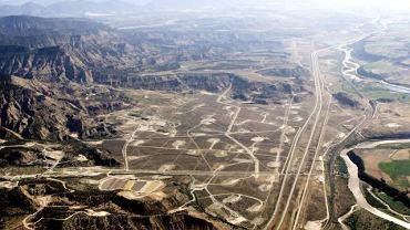 Parachute w stanie Kolorado w USA. Na stosunkowo niewielkiej przestrzeni powstało tu ok. 70 stanowisk wydobycia gazu łupkowego