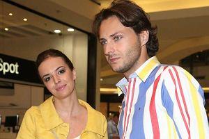 Korespondentka Dzień dobry TVN w Londynie Anna Wendzikowska pojawiła się na pokazie kolekcji marki Clarks. Większe zainteresowanie niż pokaz wzbudził towarzyszący jej mężczyzna.
