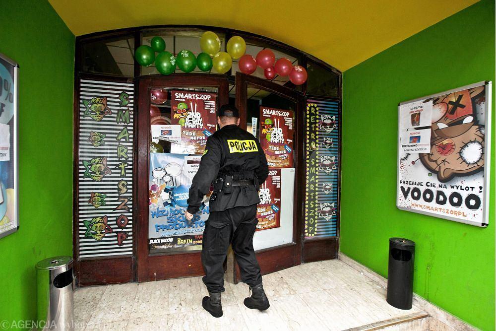 Policja zamyka sklep z dopalaczami w Łodzi
