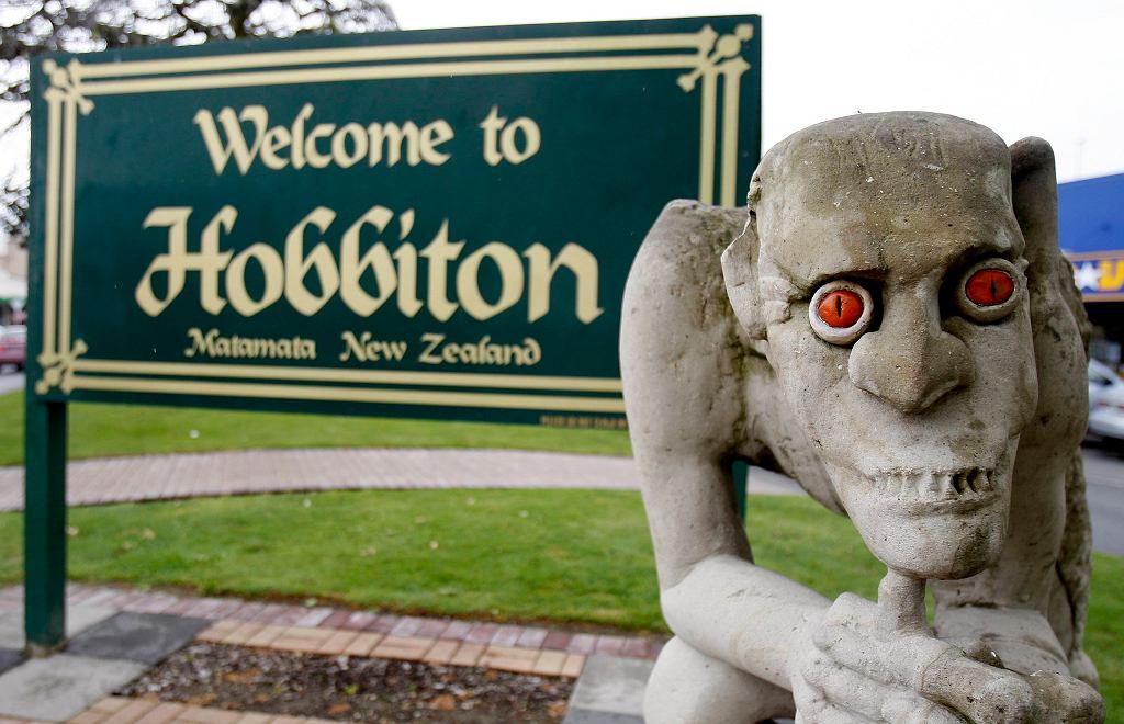 Wejście do Hobbitonu w miasteczku Matamata w Nowej Zelandii