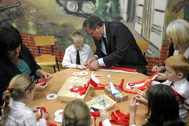 Zdjęcie numer 4 w galerii - Jak zrobić kotylion? Prezydent już nie podpowie