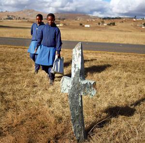 Suazi - Z powodu AIDS biznes pogrzebowy w Suazi jest jedną z głównych gałęzi gospodarki.