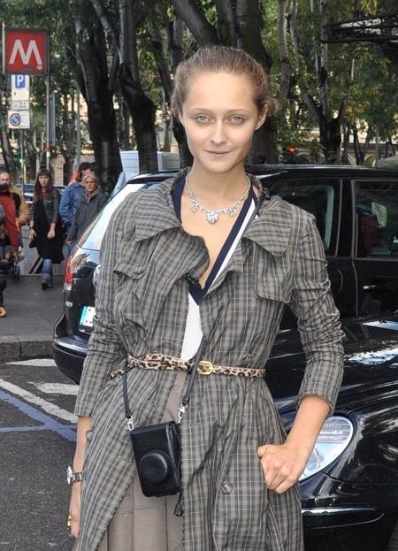 płaszcz - vintage, spódnica - Bottega Veneta, bluzka - Miu Miu, buty - Miu Miu, torebka - Chloe