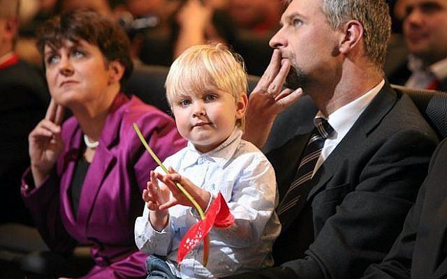 Gwiazda polityki Paweł Poncyljusz pokazał synka.
