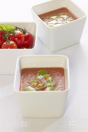 Krem z pieczonych pomidorów z bazyliowym pesto