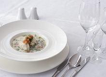 Zupa koperkowa z kluskami z sandacza - ugotuj
