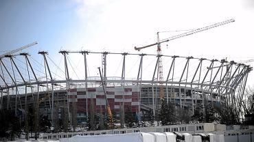 Montaż elewacji Stadionu Narodowego