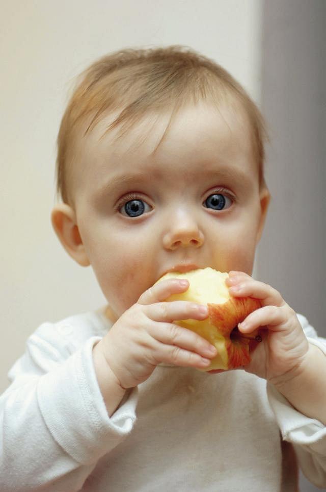 Zespół jelita wrażliwego. Dzieci w pierwszych latach życia często cierpią na zespół jelita wrażliwego; mimo że jest to nieprzyjemna dolegliwość, sama w sobie nie wpływa na rozwój i przyszłe zdrowie dziecka