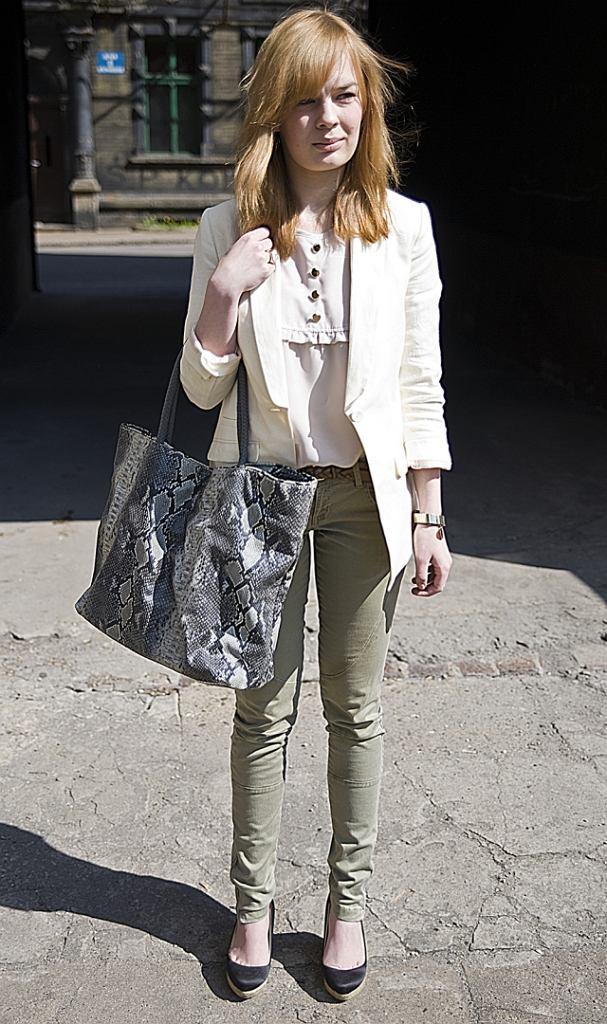 marynarka - H&M, przeszywane spodnie - Zara, buty - Zara, bluzka - ASOS, torebka - Jacqueline Riu