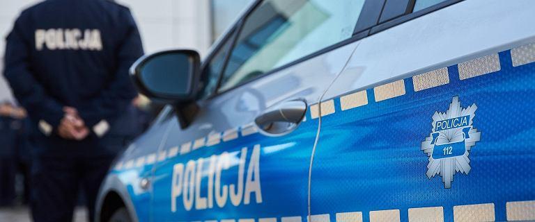 Żoliborz. Policja zatrzymała 22-latkę, która zaatakowała swojego partnera. Wbiła mu nóż w brzuch