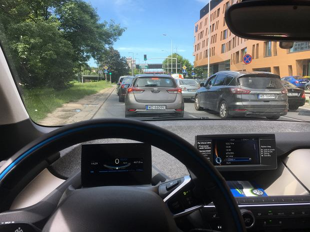 Po nieudanej próbie wypożyczenia auta z sieci Panek Carsharing, Michał dopadł elektryczne BMW i3 od InnogyGO!