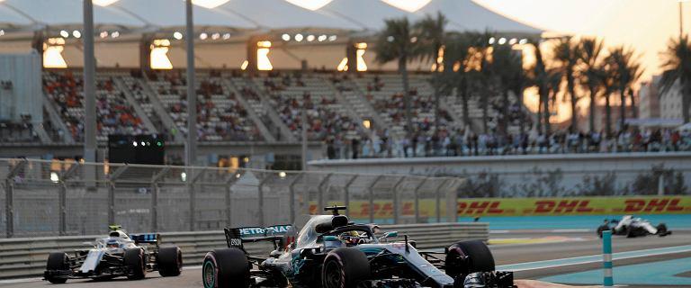 GP Abu Zabi. Lewis Hamilton z pole position.