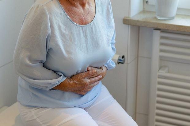 Rak brodawki Vatera najczęściej atakuje osoby po 60. roku życia