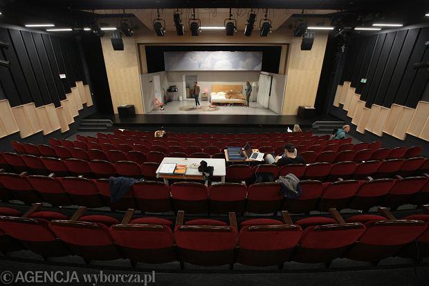 Zdjęcie numer 0 w galerii - Teatr Żeromskiego ma nową siedzibę. Tymczasowa, ale robi wrażenie [ZDJĘCIA]