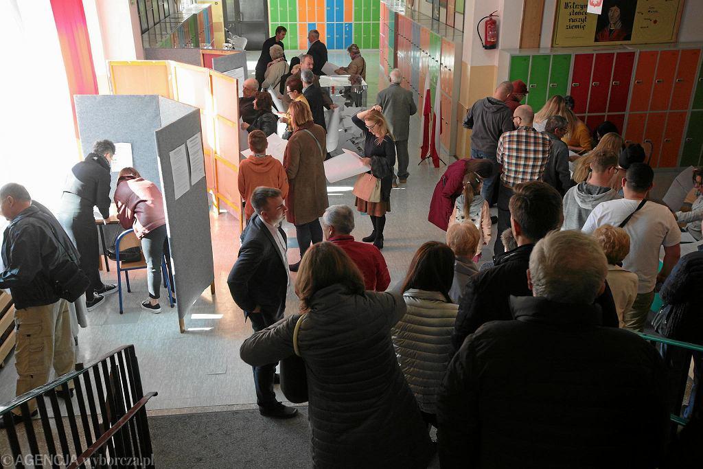 Frekwencja w wyborach była imponująca. Takich tłumów w lokalach wyborczych nie widywano