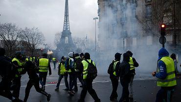 Demonstracja 'żółtych kamizelek' w Paryżu 8 grudnia